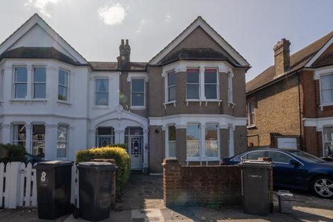 2 bedroom flat to rent - Thornsbeach Road, London, SE6