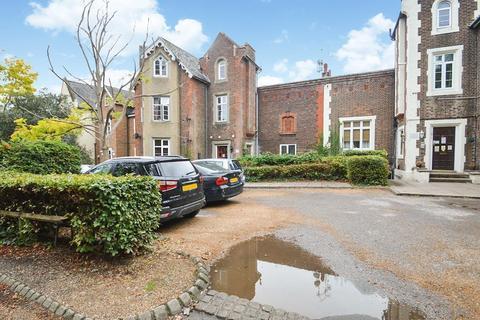 Studio to rent - Upton Park, Slough, SL1