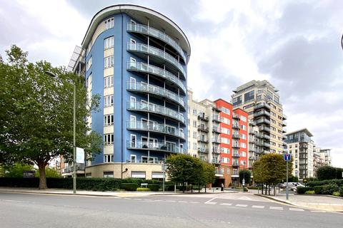 2 bedroom flat to rent - Arctic House, Beaufort Park, Heritage Avenue, Colindale, London NW9
