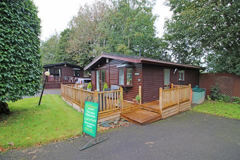2 bedroom lodge for sale - Crooklands Millness Hill Leisure Park, Milnthorpe, Carnforth, LA7