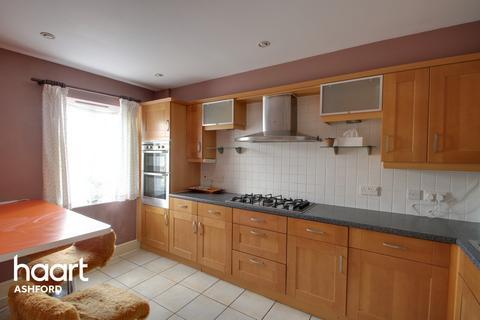 3 bedroom townhouse for sale - Hurst Road, Ashford