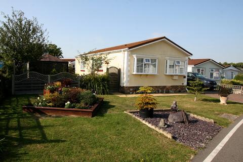 2 bedroom park home for sale - Willow Way, Woodlands Country Park, Biddenden TN27