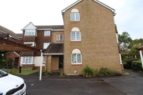 2 bedroom flat to rent - Wentworth Drive, Christchurch, BH23 1RB