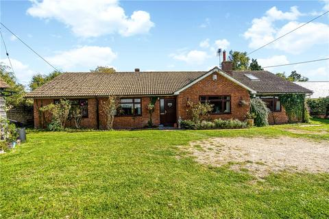 5 bedroom detached house for sale - Crendon Road, Shabbington, Aylesbury, HP18