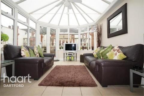 3 bedroom terraced house to rent - Burdett Close