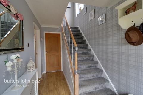3 bedroom semi-detached house for sale - Robertville Road, Stoke-On-Trent, ST2 9HD