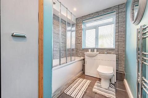 2 bedroom flat for sale - Inner Park Road, Southfields