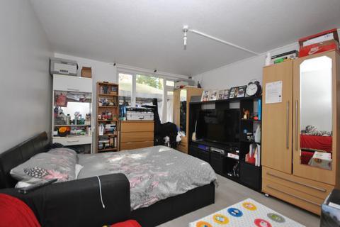 2 bedroom flat for sale - Moorland Road London SW9