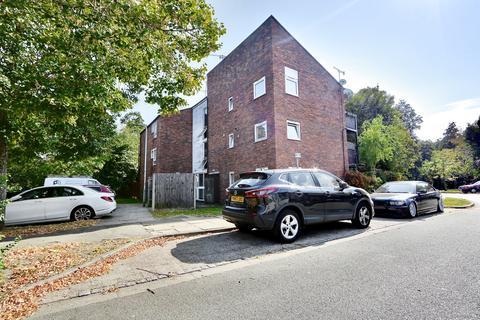 1 bedroom apartment to rent - Braybourne Close, Uxbridge, UB8