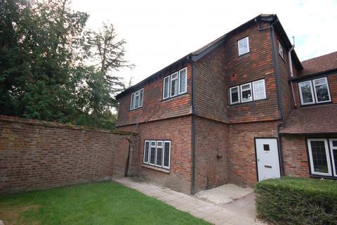 2 bedroom flat to rent - Balcombes Hill,  Goudhurst, TN17