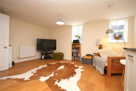2 bedroom apartment to rent - Victoria House, St. James Square, Cheltenham, Gloucestershire, GL50