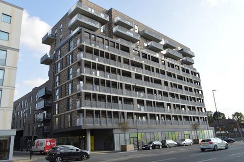 2 bedroom flat for sale - Crossways, Windsor Road, Slough, Berkshire. SL1 2NE