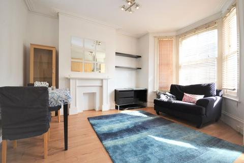 2 bedroom flat to rent - Davisville Road, Shepherd's Bush W12 9SH