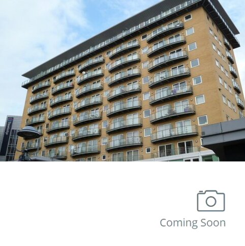 2 bedroom apartment to rent - Hamlyn House, High Street, Feltham TW13