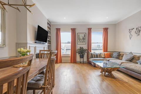 3 bedroom flat for sale - Cologne Road, Battersea