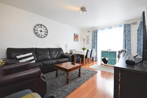 2 bedroom flat to rent - Sunninghill Court, Acton, W3 8BB