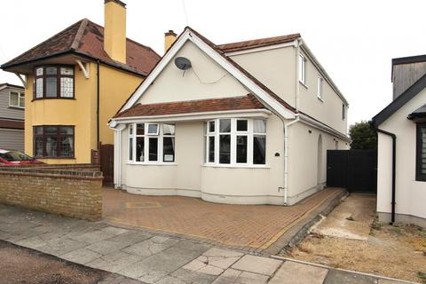4 bedroom chalet for sale - The Drive, Chelmsford, Essex, CM1