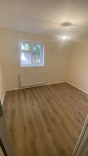 2 bedroom block of apartments to rent - Heath End Road, Nuneaton CV10