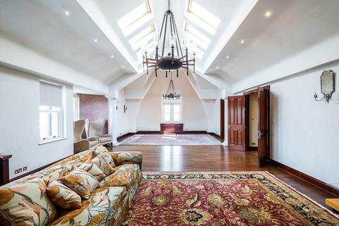 4 bedroom flat for sale - Cornwall Gardens, London, SW7