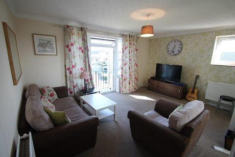 2 bedroom flat for sale - Lancaster Court, Clyde Road, Stanwell, TW19