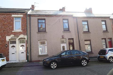 3 bedroom apartment - East Moffett Street, South Shields