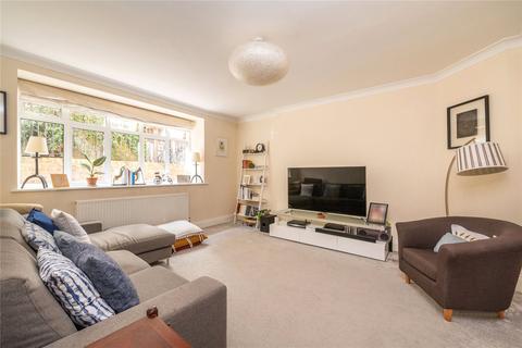 2 bedroom flat - Alexandra Court, Maida Vale, London