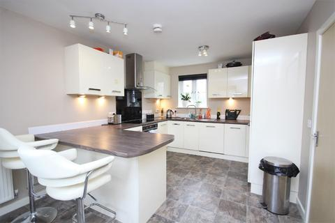 3 bedroom apartment to rent - Wiltshire Square, Titchfield Park
