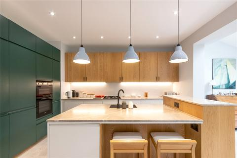 4 bedroom end of terrace house for sale - Beeches Road, London, SW17