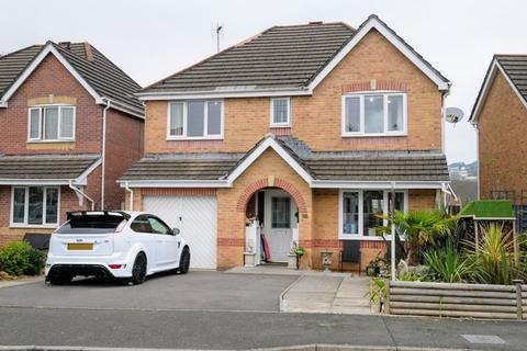 4 bedroom detached house for sale - Bluebell Drive, Llanharan, CF72 9UN