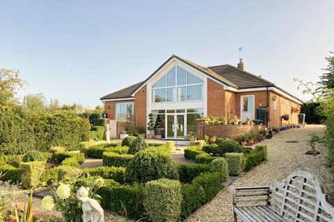 5 bedroom detached house for sale - Minsterworth, Gloucester