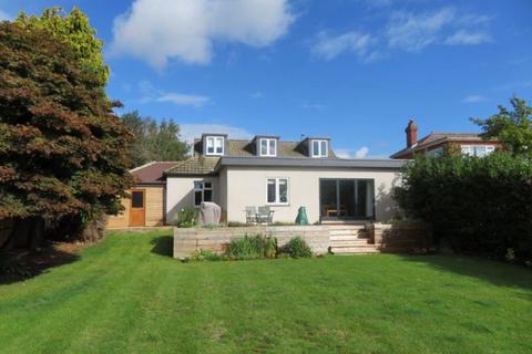 4 bedroom detached bungalow for sale - Bridge Road, Sarisbury Green, Southampton