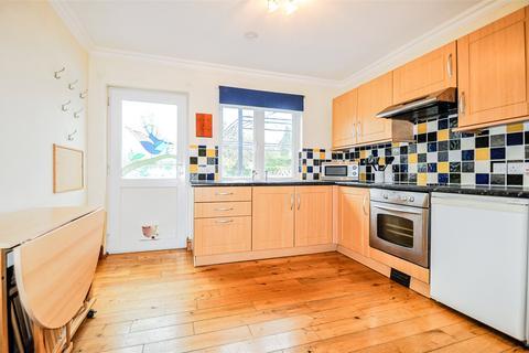 Studio to rent - Old Mill Lane, Bray, Maidenhead, SL6