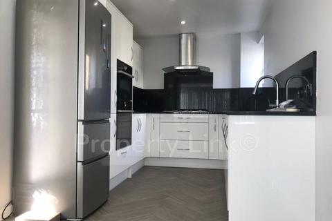 3 bedroom house to rent - Pointers Close, London