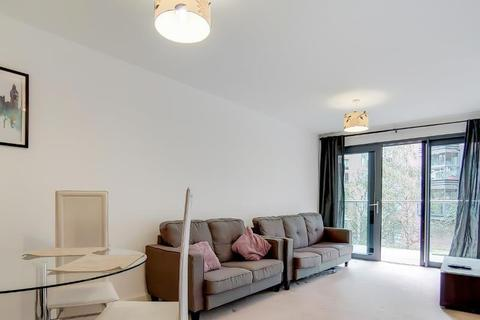 2 bedroom flat to rent - Montreal House, Surrey Quays Road, Canada Water, SE16 7AP