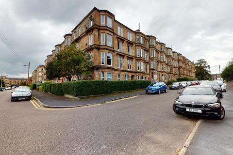 2 bedroom flat - Ingleby Drive, Dennistoun, G31 2PP