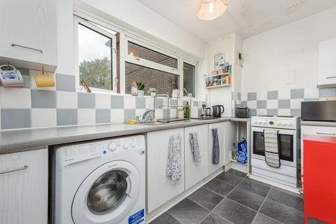 2 bedroom flat to rent - Studley Road, London SW4