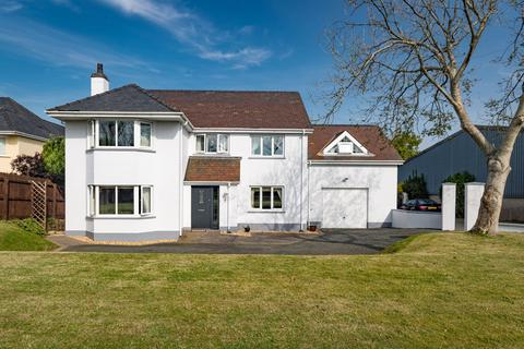 5 bedroom detached house for sale - Kroywen House, Haven Road, Haverfordwest, Pembrokeshire