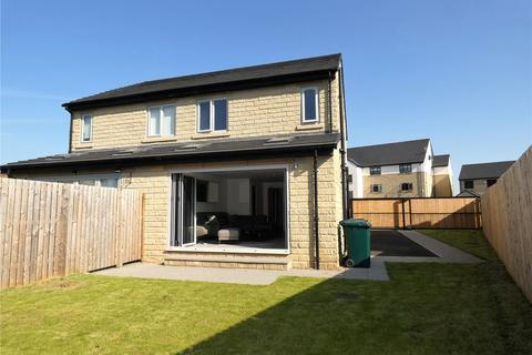 3 bedroom semi-detached house for sale - Delf Hill Close, Low Moor, Bradford, BD12