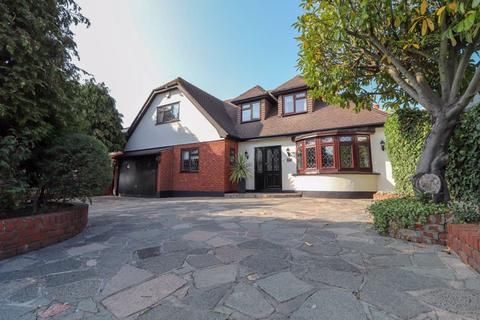 4 bedroom detached house for sale - Benfleet Road, Benfleet