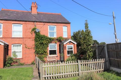 2 bedroom semi-detached house for sale - Cross Lanes, Wrexham