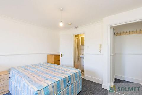 Studio to rent - Clanricarde Gardens, Notting Hill, London W2