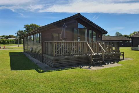 3 bedroom park home for sale - Cotswold Hoburne - South Cerney - GL7