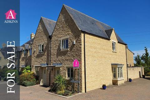 2 bedroom end of terrace house for sale - Brewin Close - Kingshill Meadow - Cirencester - GL7