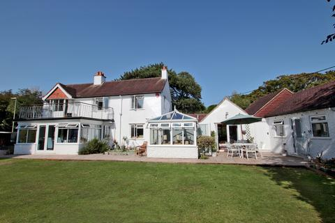 5 bedroom detached house for sale - Manor Road, Milford on Sea, Lymington, SO41