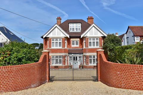 6 bedroom detached house for sale - Whitby Road, Milford on Sea, Lymington, SO41