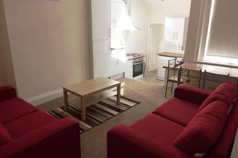 3 bedroom flat to rent - Albemarle Avenue, High West Jesmond, Newcastle Upon Tyne NE2