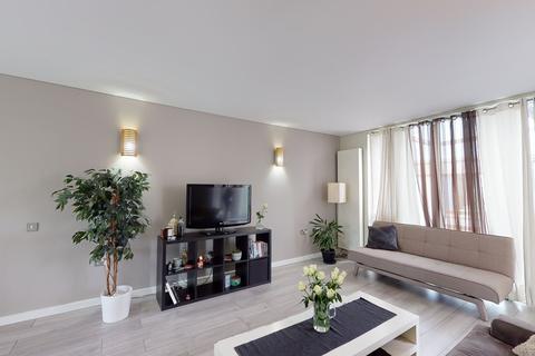 2 bedroom apartment for sale - Becquerel Court, Child Lane, LONDON, SE10