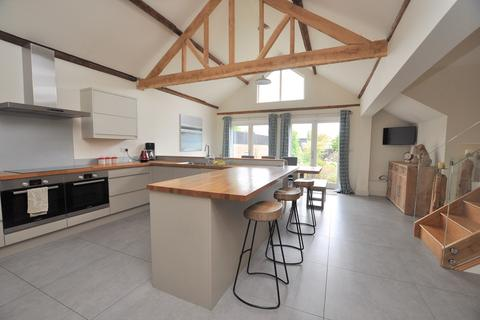 4 bedroom bungalow for sale - Generals Lane, Boreham, Chelmsford, CM3