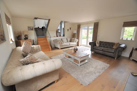 4 bedroom bungalow for sale - Generals Lane, Boreham, Chelmsford, CM3