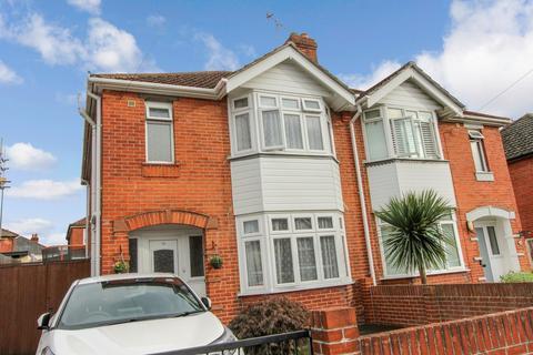 3 bedroom semi-detached house for sale - Prince of Wales Avenue, Regents Park, Southampton, SO15